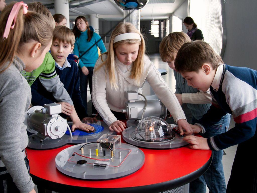 Онлайн-экскурсия по интерактивному музею Лунариум