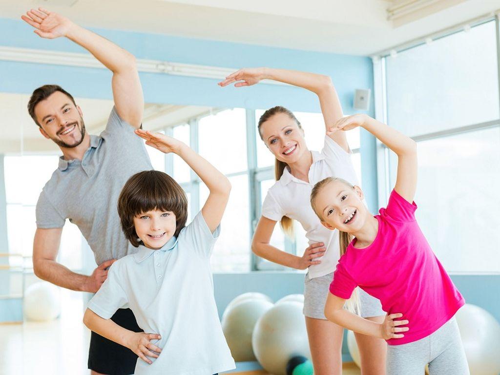 Как стать героем в четырех стенах: Занимайтесь фитнесом всей семьей