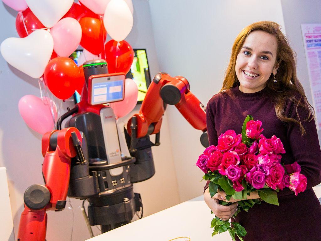 Цветы женщинам на 8 марта от Роботостанции
