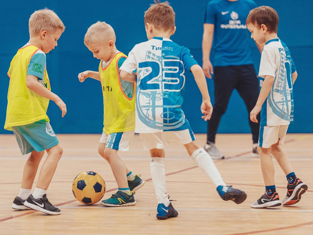 Футбольные тренировки по футболу для детей в прямом эфире