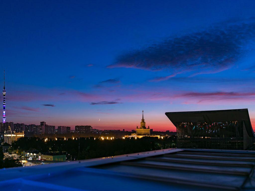 Красочные закаты с крыши на ВДНХ