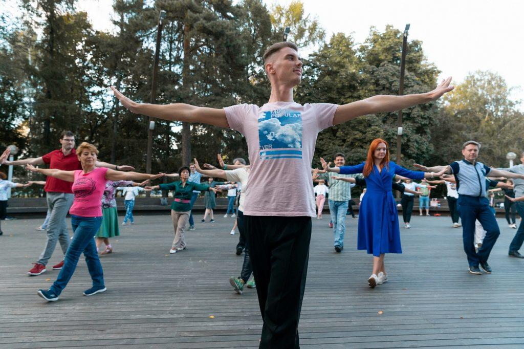 Танцевальный сезон от Кирилла Агишева на ВДНХ