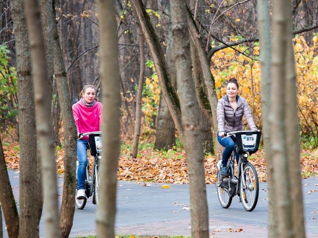 Вело прокат на ВДНХ осенью