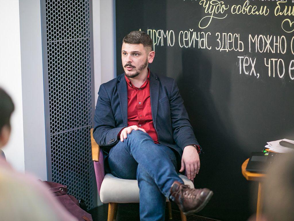 Читательский клуб на ВДНХ проводит онлайн Егор Сартаков