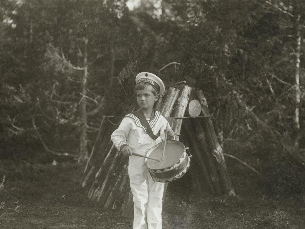 Частная жизнь семьи императора Николая II. Фотографии из личных альбомов