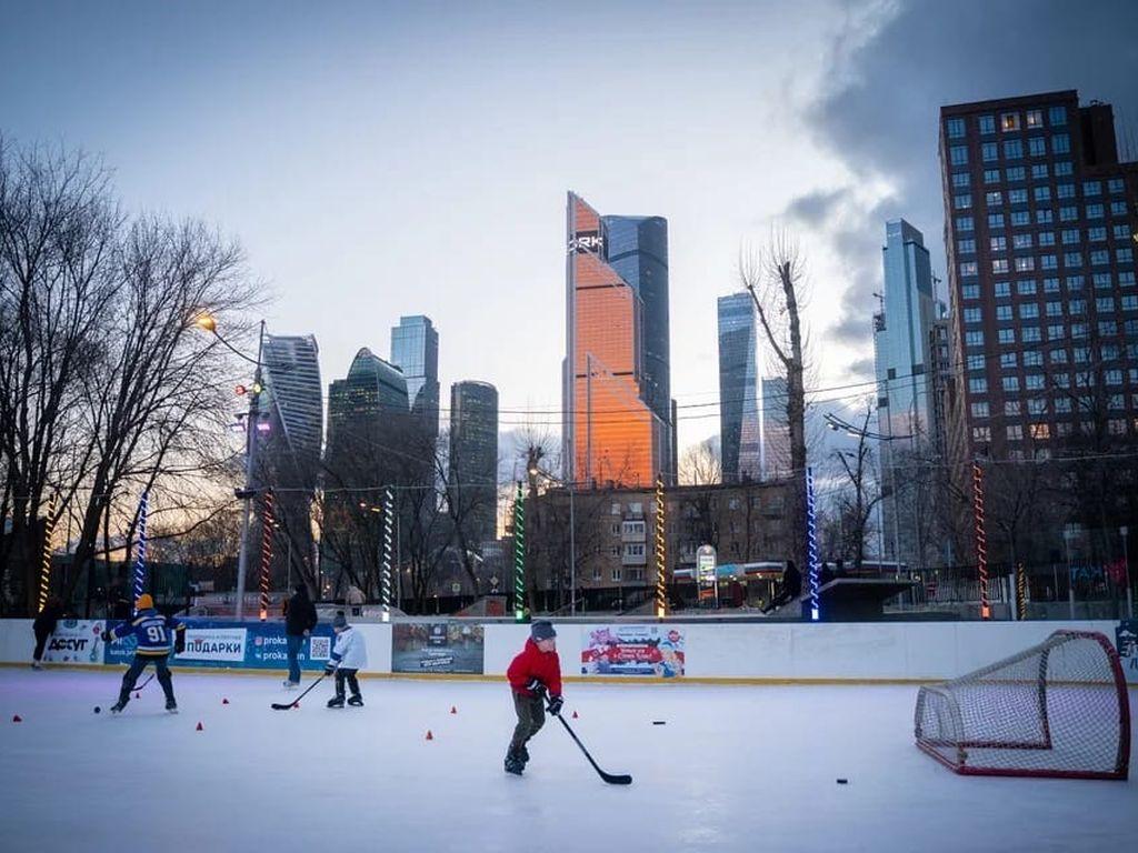 City каток: игра в хоккей
