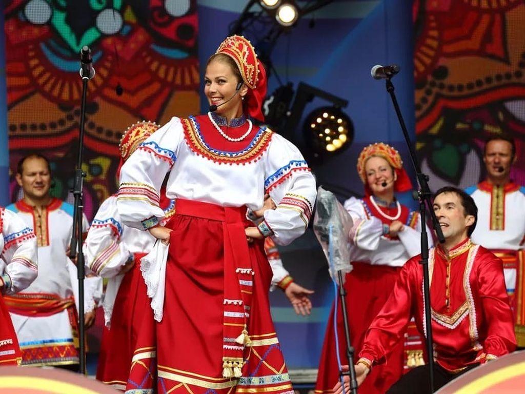 Коломенское Фестиваль  Русское поле
