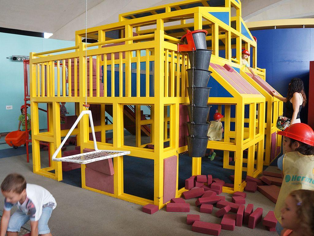 Строительная игровая в городе строителей в трц Ривьера